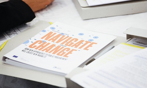 Navigate Change: Handbook for Small Businesses on New Trends in Public Procurement