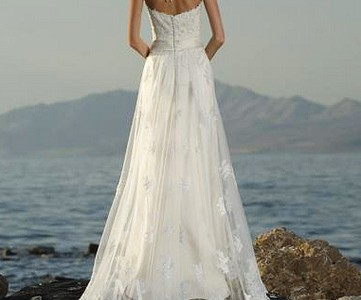 A-line-Halter-Lace-Satin-Tulle-Wedding-Dress