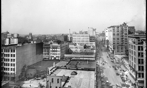 Panoramic view of Los Angeles from the Lankershim developing, showing South Broadway (left), 7th Street (center) and North Broadway (appropriate), November 1917 (CHS-5771)